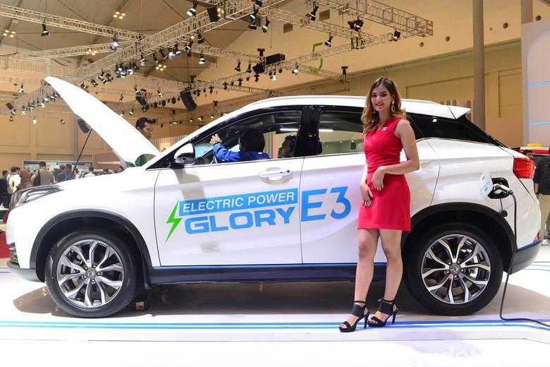 Mobil listrik DFSK Glory E3. Foto: Ari Saputra