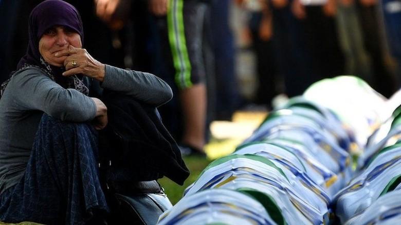 Tentara Belanda Ikut Bertanggung Jawab Atas Pembantaian 350 Muslim Bosnia
