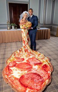 Produsen Pizza Ini Bikin Lomba Berhadiah Buket dan Gaun Pengantin Pizza