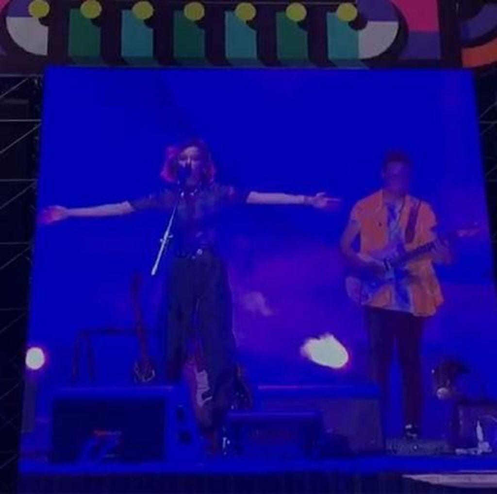 Eva Celia dan Sabrina Claudio Sukses Hangatkan Panggung WTF 2019