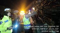 BBM Tumpah Penyebab 5 Orang Tewas Terbakar di Kecelakaan Tol Cipali