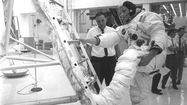 10 Fakta yang Jarang Terungkap di Misi Apollo 11