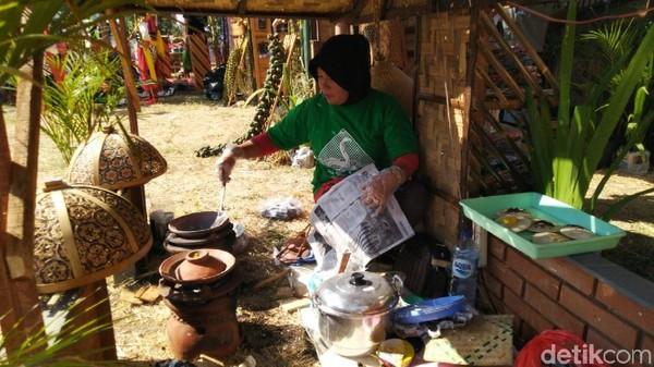 Makanan serabi dari Kebumen. Yuk datang ke acara ini untuk mencari ide liburan ke desa di Jawa Tengah (Angling Adhitya Purbaya/detikcom)