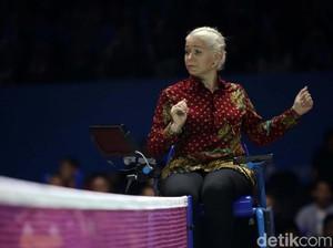 Rambut Pirang Platinum, Wasit Ini Curi Perhatian di Indonesia Open 2019