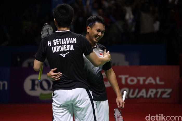 Unggulan keempat Hendra Setiawan/Mohammad Ahsan melangkah ke final Indonesia Open 2019. Menyusul kemenangan atas Takuro Hoki/Yugo Kobayashi.