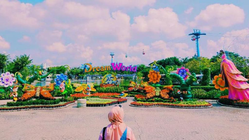 Spot Foto Asyik di Dream World Bangkok