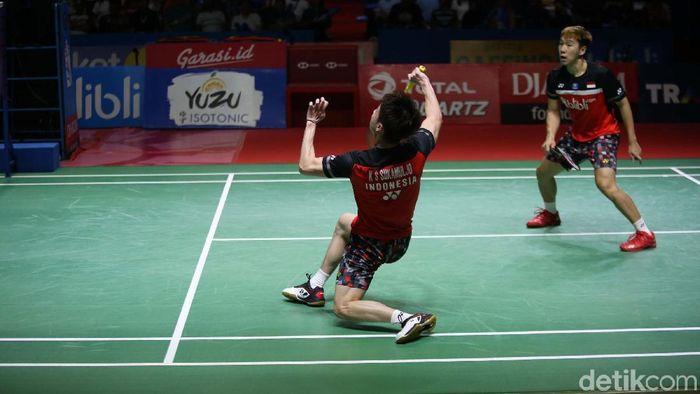 kevin Snajaya Sukamuljo/Marcus Fernaldi Gideon menjadi juara Indonesia Open 2019. (Agung Pambudhy/detikSport)