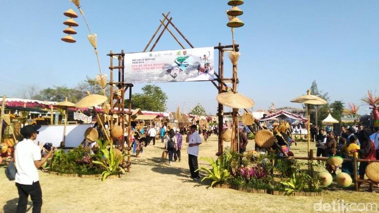 Pameran desa wisata di Semarang (Angling Adhitya Purbaya/detikcom)