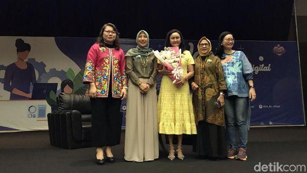 Cerita CEO Transmedia Sebagai Wanita Karir Sukses