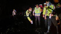 Kecelakaan di Cipali, 4 Penumpang Minibus Tewas Terbakar Dalam Mobil