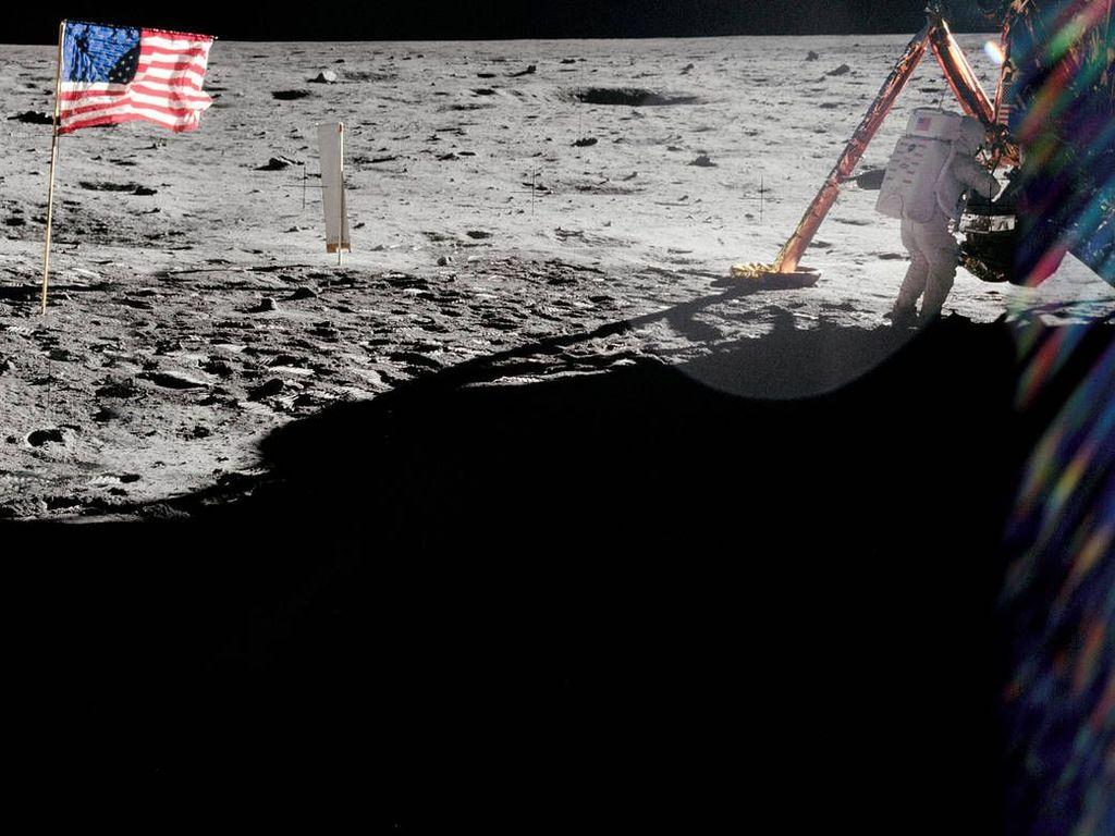 Setelah terbang sejak 16 Juli, awak Apollo 11 akhirnya mendarat di permukaan Bulan pada 20 Juli 1969 atau tepat 50 tahun yang lalu. Foto: NASA