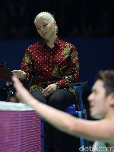 Iris Metspalu, Wasit Rambut Pirang Curi Perhatian di Indonesia Open 2019