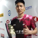 Chou Tien Chen Dapat Bunga dari Fansnya yang Mengidap Kanker