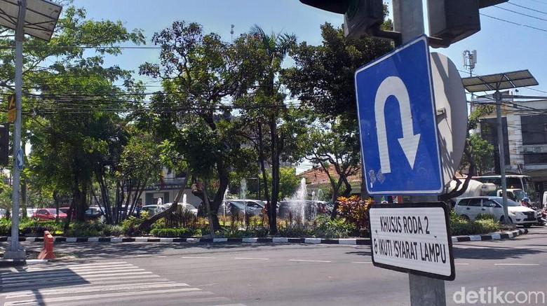 Plang Rambu-rambu di Video Profesor Ceramahi Polantas Sudah Diganti