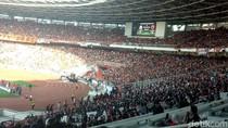The Jakmania dan The Macz Man Adu Yel-yel di Stadion GBK