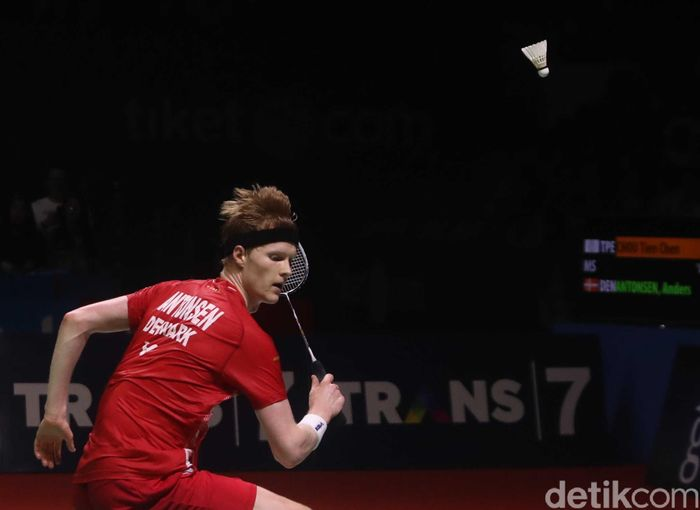 Chou Tien Chen menyegel gelar juara Indonesia Open 2019. Pebulutangkis Taiwan itu mengalahkan Anders Astonsen dari Denmark di babak final.