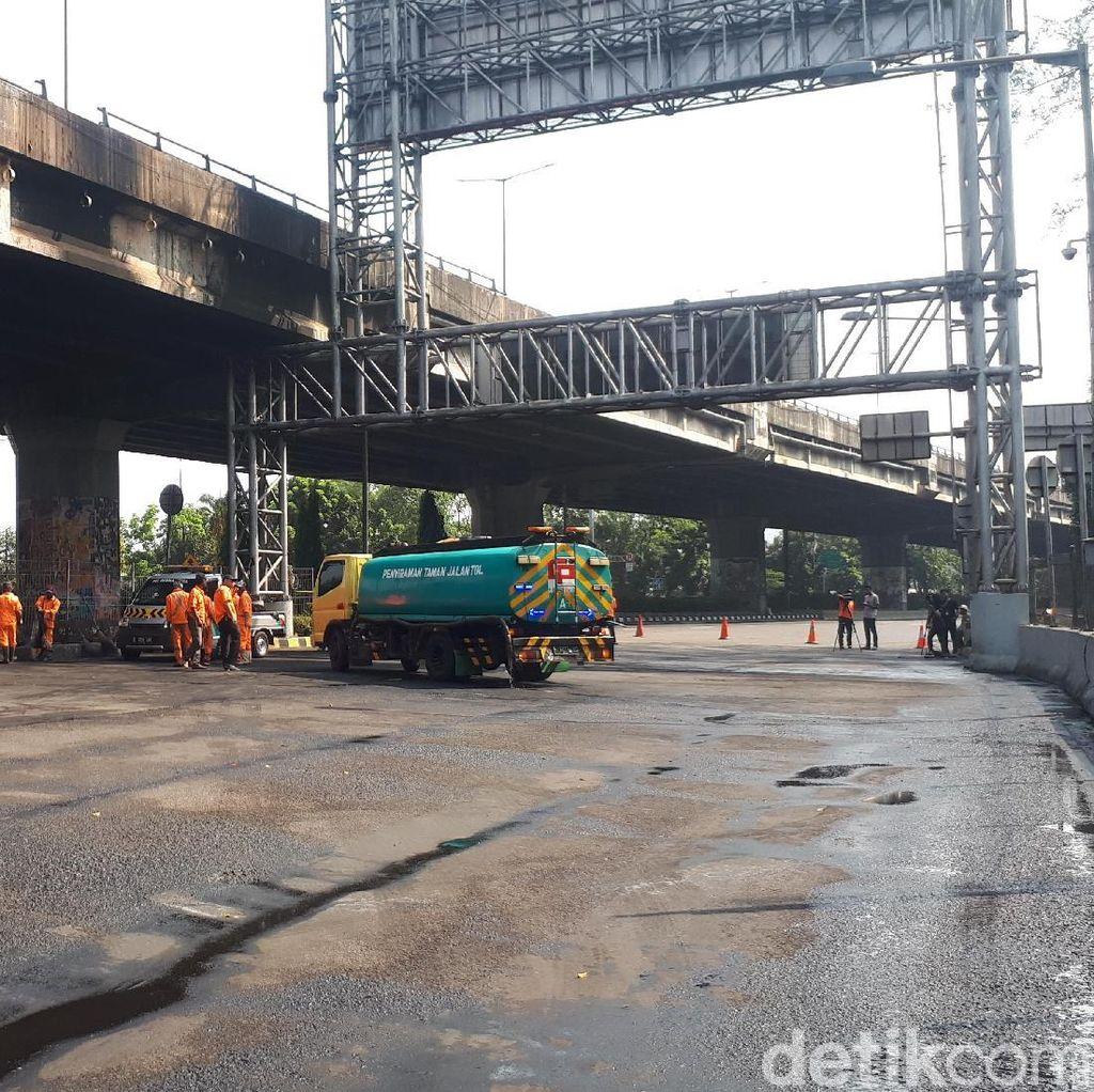 Truk Tangki Terbakar, GT Rawamangun Arah Tanjung Priok Ditutup