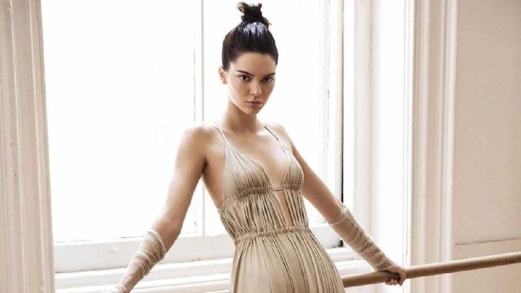 Seperti Agnez Mo, Kendall Jenner Juga Dikritik Karena Kepang Cornrow