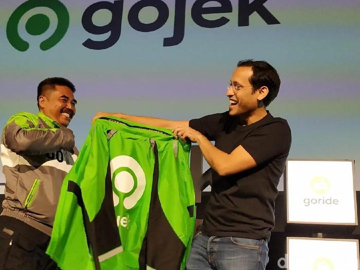 CEO Gojek Nadiem Makarim (kanan) Foto: Agus Tri Haryanto/detikINET
