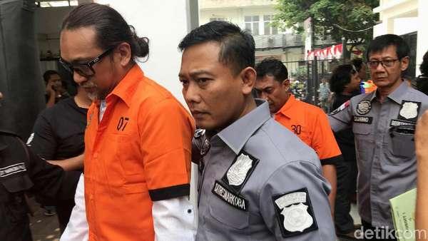 Penampakan Nunung Berbaju Tahanan