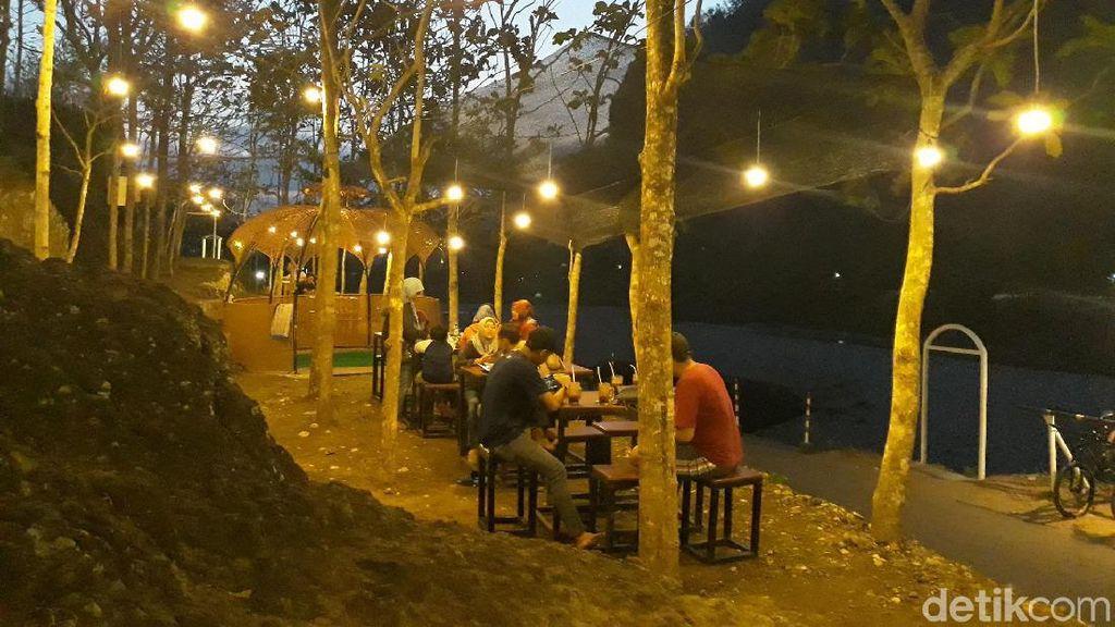 Foto: Padang Batu dari Bantul