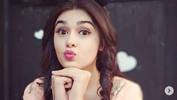 Pesona Eisha Singh, Bintang Serial Ishq Subhan Allah