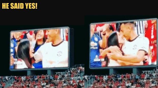 Viral, Wanita Melamar Kekasihnya di Laga Manchester United Vs Inter Milan