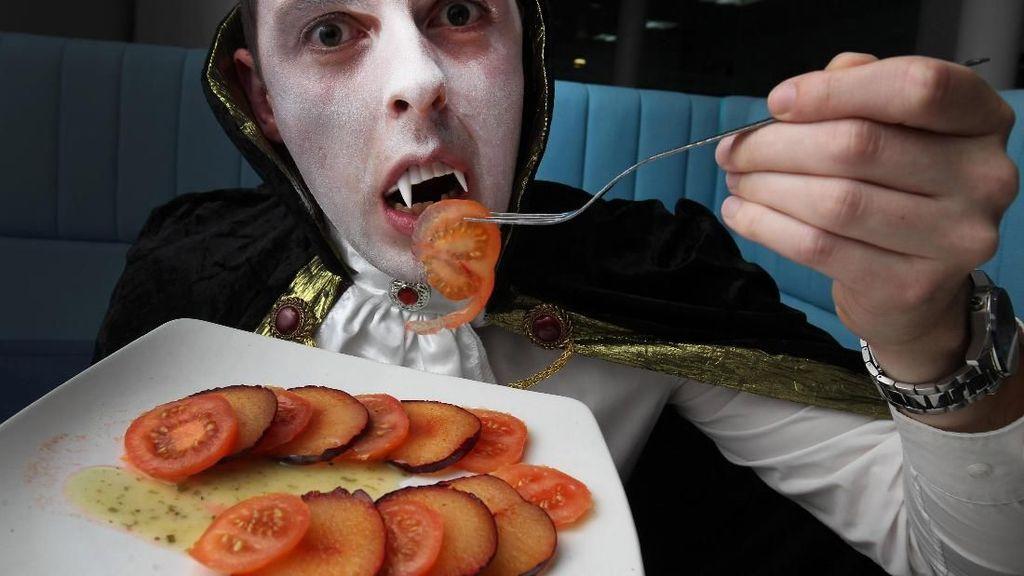 Dilayani Robot hingga Ditemani Drakula, 5 Restoran Ini Punya Konsep Nyeleneh