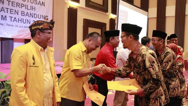 32 Kursi DPRD Kabupaten Bandung Dihuni Wajah Baru
