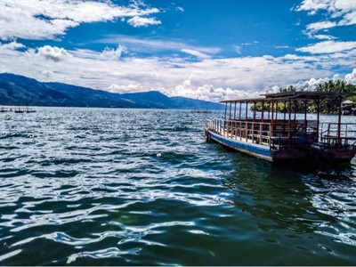 Foto Pesona Danau Singkarak