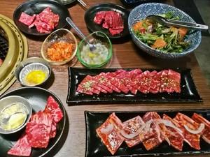 7 Trik Agar Bisa Makan Banyak di Resto All You Can Eat