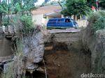Ngeri! Penampakan Tebing di Bandung yang Tak Kunjung Diperbaiki
