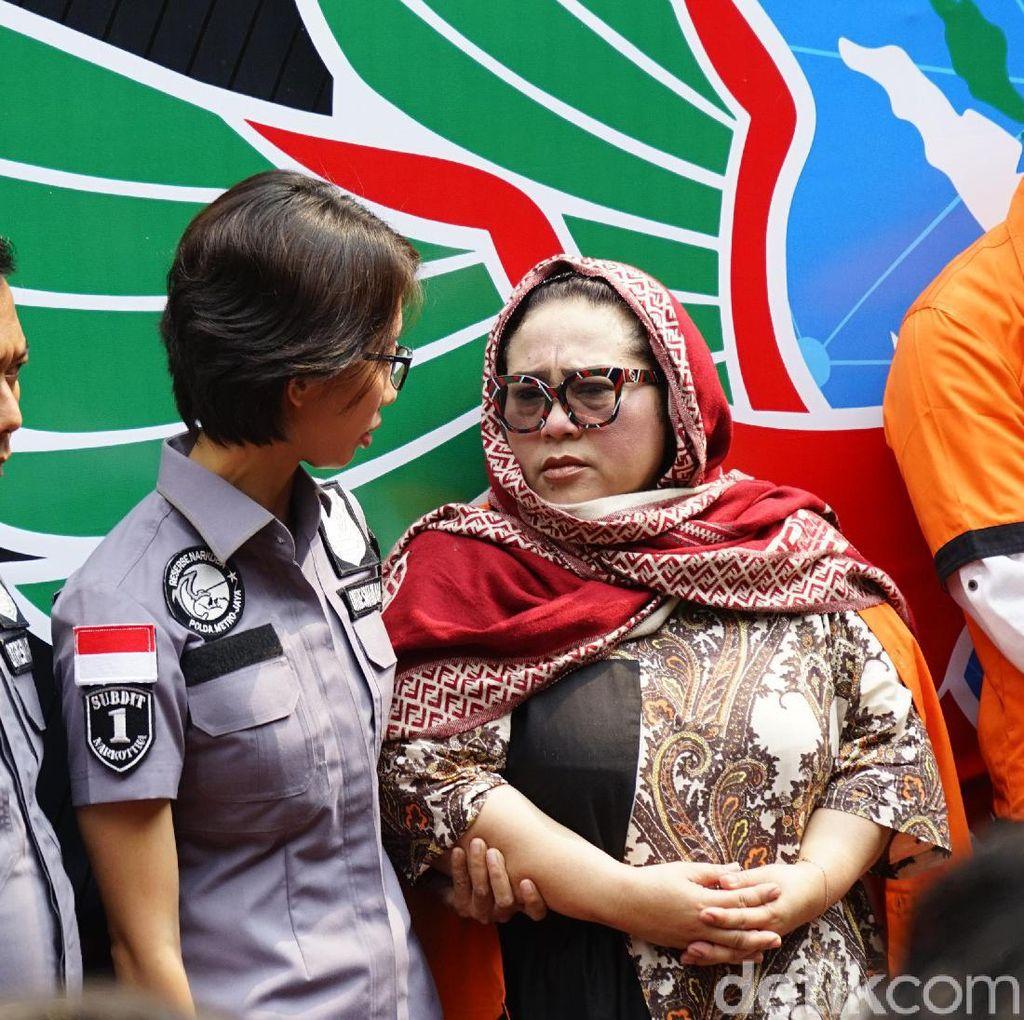 Polisi Cek Darah dan Rambut Nunung Tersangka Kasus Sabu
