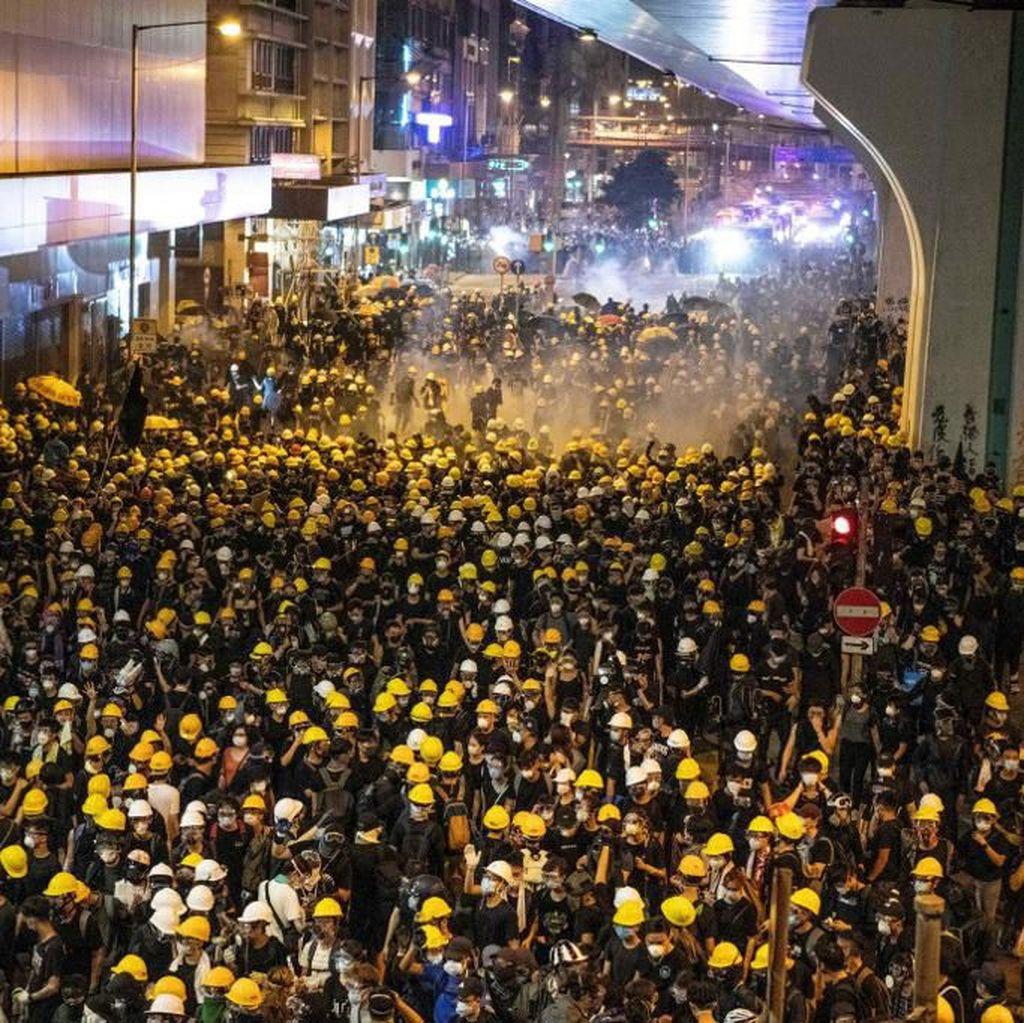 Demo di Hong Kong Kaos, Polisi Tembakkan Gas Air Mata dan Peluru Karet