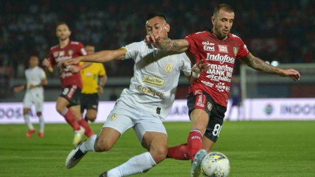 PSS (putih) tampil apik di Liga 1 musim lalu.