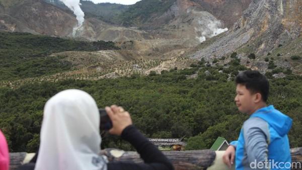Suasana gunung pun sangat cantik menjelang fajar tenggelam (Hakim Ghani/detikcom)
