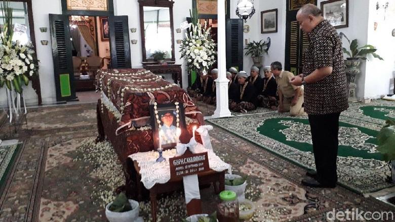 Sultan HB X Tak Melayat Adik Tirinya yang Berselisih Soal Suksesi
