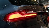Di atas kertas BMW X7 mampu melesat dari 0-100 km/jam dalam 6,1 detik dengan kecepatan puncak 245 km/jam.