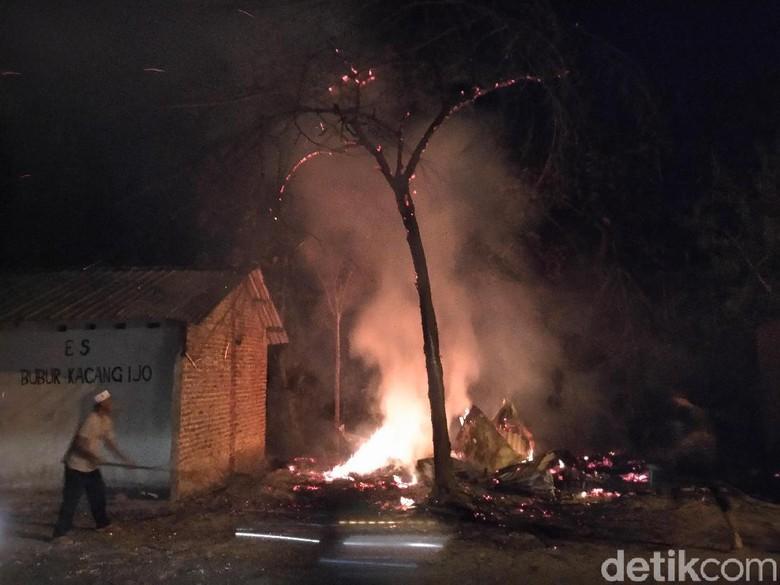 Peternakan di Mojokerto Terbakar, 4 Ribu Ayam Mati Terpanggang