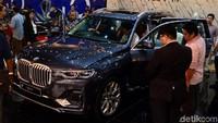 Tak heran, BMW X7 disebut sebagai salah satu mobil bongsor paling mewah di Indonesia.