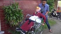 Dari Kursi Roda, Bu Dokter Terus Berjuang agar Jadi Pegawai Negeri