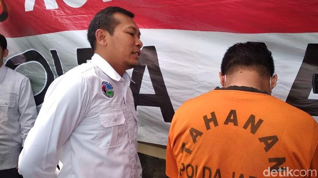 Polda Jabar Tangkap Pria Pembawa Ganja 83 Kg 'Berselimut' Gula Aren