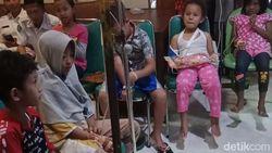 RSUD Ponorogo Bagikan Mainan Gratis Peringati Hari Anak Nasional
