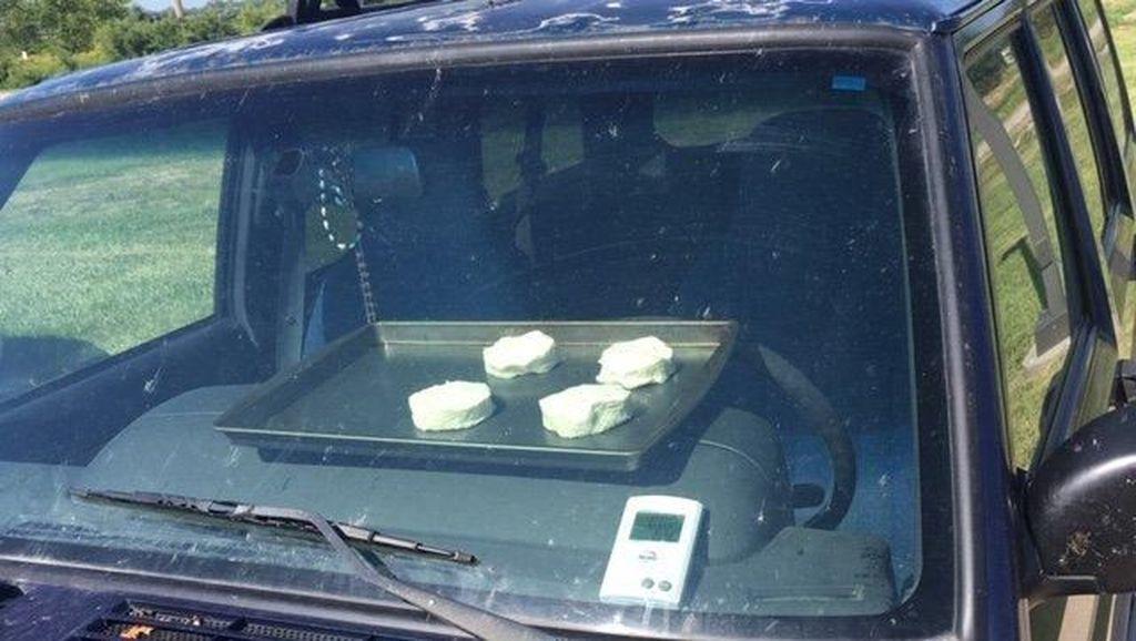 Suhu di Nebraska Terlalu Panas, Orang-orang Panggang Kue Dalam Mobil