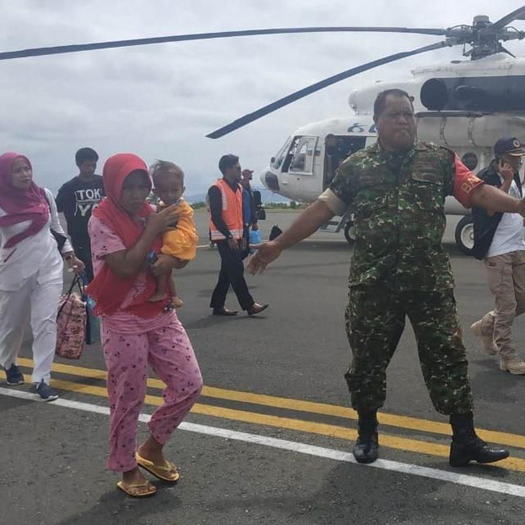 Balita Tanpa Anus Korban Gempa M 7,2 Bacan Dibawa Berobat ke Jakarta