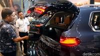 Penasaran dengan harganya? BMW X7 berjuluk The President ini dijual dengan harga Rp 2.399.000.000 (Off The Road).