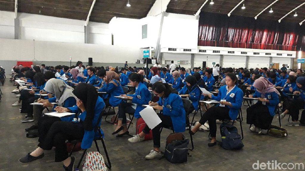 500 Mahasiswa di Surabaya Berebut Beasiswa Pelatihan Soft Skill