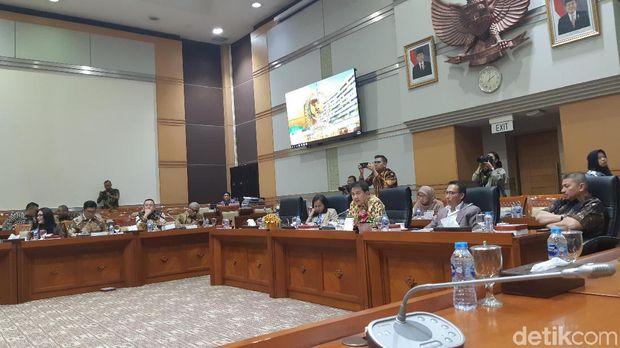 Baiq Nuril dalam pleno Komisi III DPR, Selasa (23/7/2019)