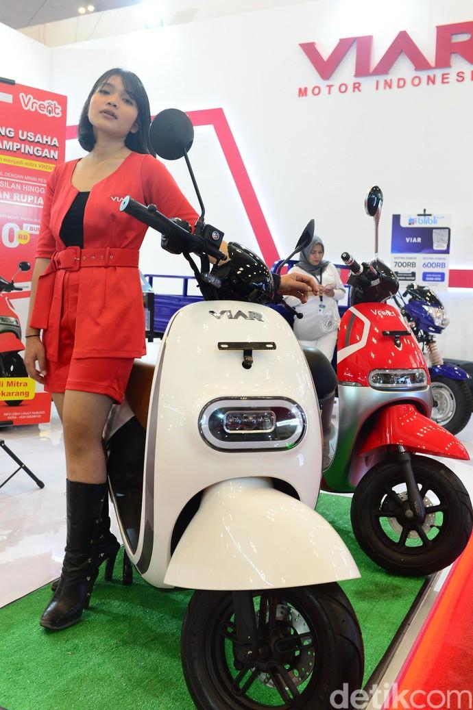 Motor listrik ini dapat membawa pengendaranya melaju dengan kecepatan maksimum 60kpj.