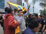 Mahasiswa Demo di Balai Kota Tolak IMB Pulau Reklamasi